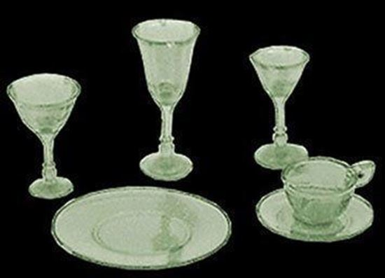 Picture of Chrysnbon 4 Place Green Dishes/Stemware Kit, 24 pc CHR99/110G