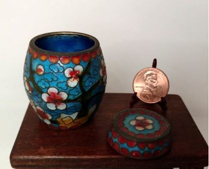 Picture of Vintage Chinese Cloisonne Barrel