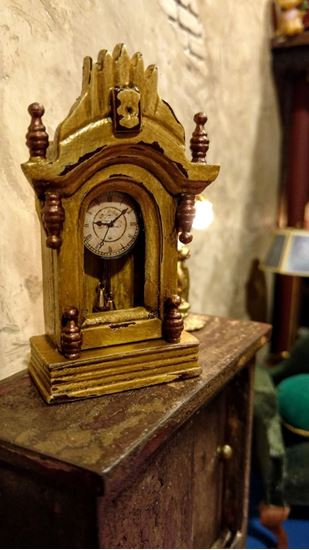 Picture of Dollhouse Miniature Clock