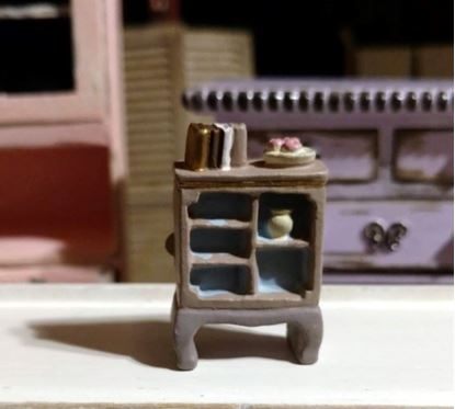 Picture of Dollhouse Miniature Resin Bookcase 1:48 Scale