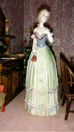 Picture of Dollhouse Miniature Victorian Woman Polystone