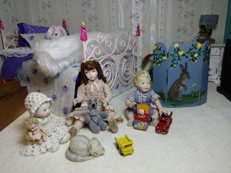 Picture for category Dollhouse Dolls