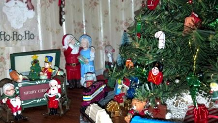 Picture for category Dollhouse Holidays