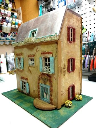 Picture for category Dollhouse's and Displays