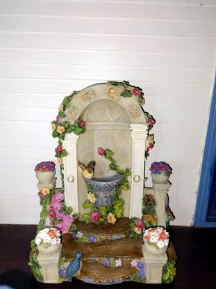 Picture of Dollhouse bird bath
