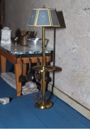 Picture of Floor Lamp for Dollhouse