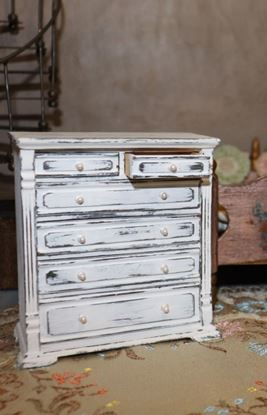 Picture of Dollhouse white Dresser