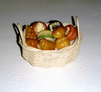 Picture of Amazing Dollhouse Bread and Pastry Basket