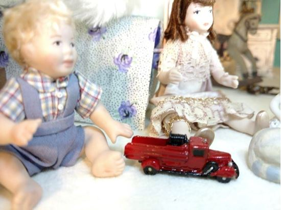 Picture of Dollhouse Miniature Pewter Red Fire truck