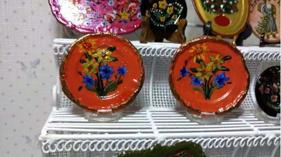 Picture of Two dollhouse hand painted plates