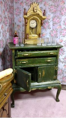 Picture of Dollhouse Chest cabinet