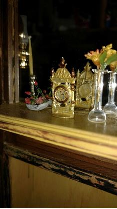 Picture of Dollhouse Metal Mantel Clock