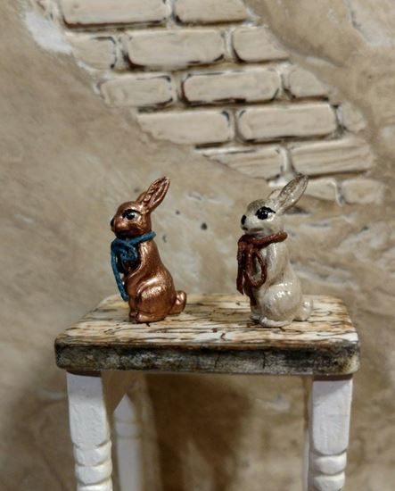 Picture of Dollhouse Metal Miniature Antiqued Copper Color Bunny