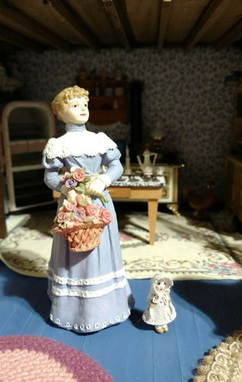 Picture of Dollhouse Resin Woman with Flower Basket