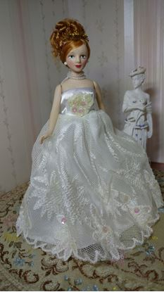 "Picture of Miniature Red Headed Bride 6"" Tall"