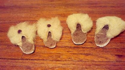 Picture of Leather & Fur Miniature Eskimo Slippers