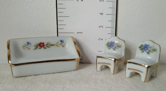 Picture of Limoges porcelain living room set 1:48 scale
