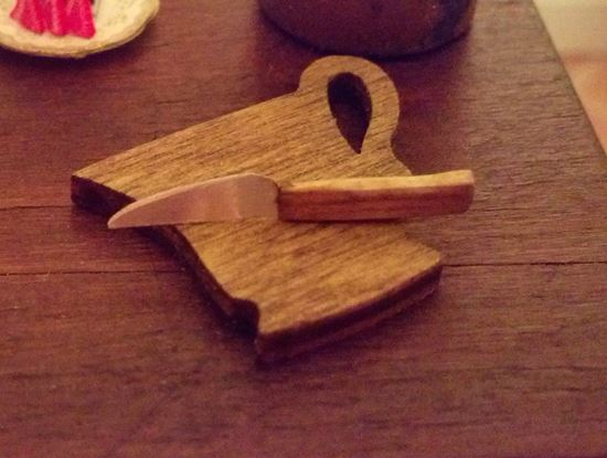 Picture of Handmade Knife with a cup shaped cutting board