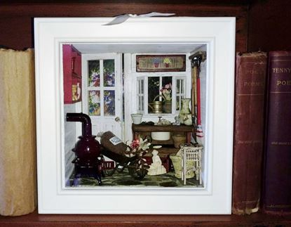 Picture of Miniature Gardener's Shed Roombox