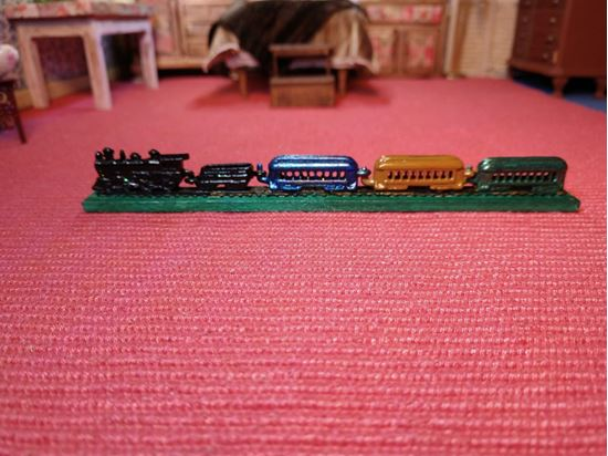 Picture of Miniature pewter train