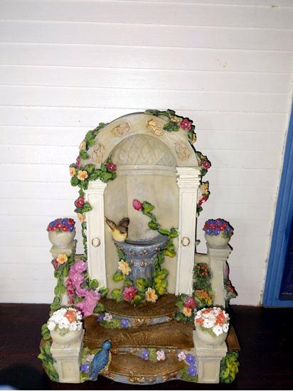 Picture of Dollhouse bird bath