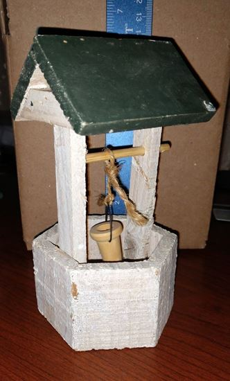 Picture of Dollhouse Well