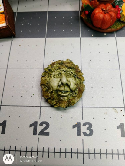 Picture of Resin Tree Face