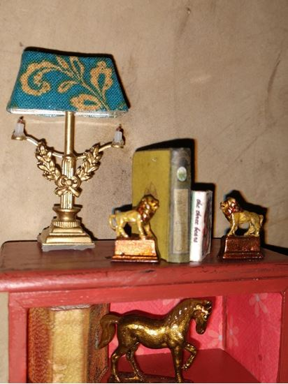 Picture of Miniature Pewter Lion Bookends