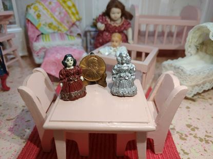 Picture of Miniature Metal Woman - painted