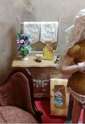 Picture of Flower arrangement in a porcelain vase for dollhouse miniature setting.