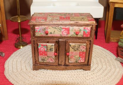 Picture of Short Dollhouse Dresser
