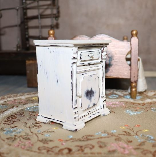 Picture of Dollhouse white nightstand