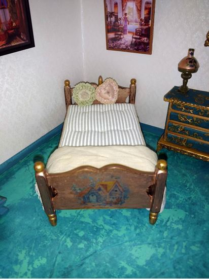 Picture of Antiqued Dollhouse Twin Bed