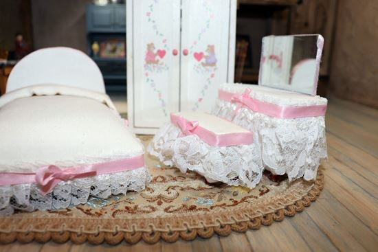 Picture of Dollhouse PittyPat Bedroom Set
