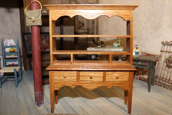 Picture of Dollhouse Hutch / China Cabinet
