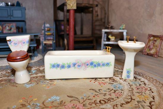 Picture of Miniature Porcelain Bathroom Set