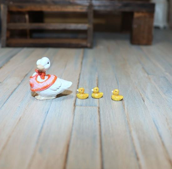 Picture of Miniature Metal Mother Goose Painted